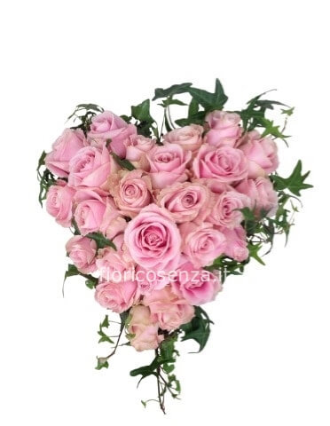 Mazzo Di Fiori A Forma Di Cuore.Cuore Di Rose Colore Rosa Consegna A Domicilio Di Fiori E Piante